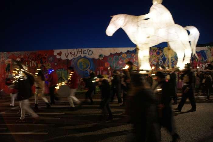 08Nov2019 Berlijnsemuur Licht 3495Pet
