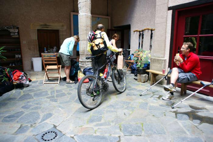 201005Aug Sante Foye Conques 4487Pet