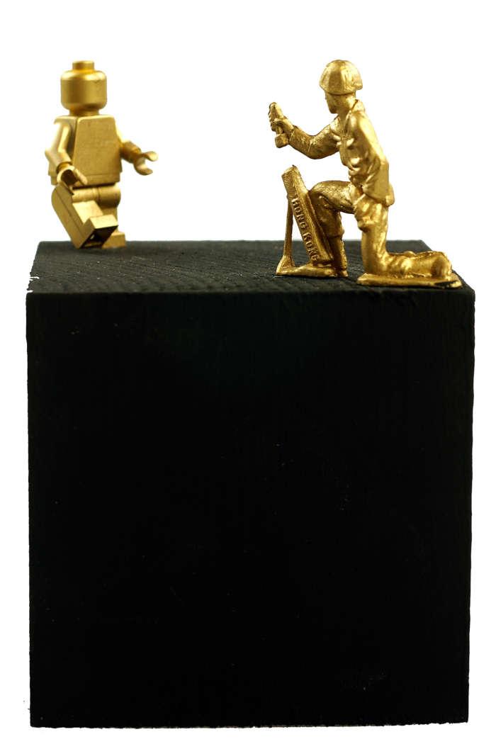20120824 Gouden Voorwerpen 5921Pet